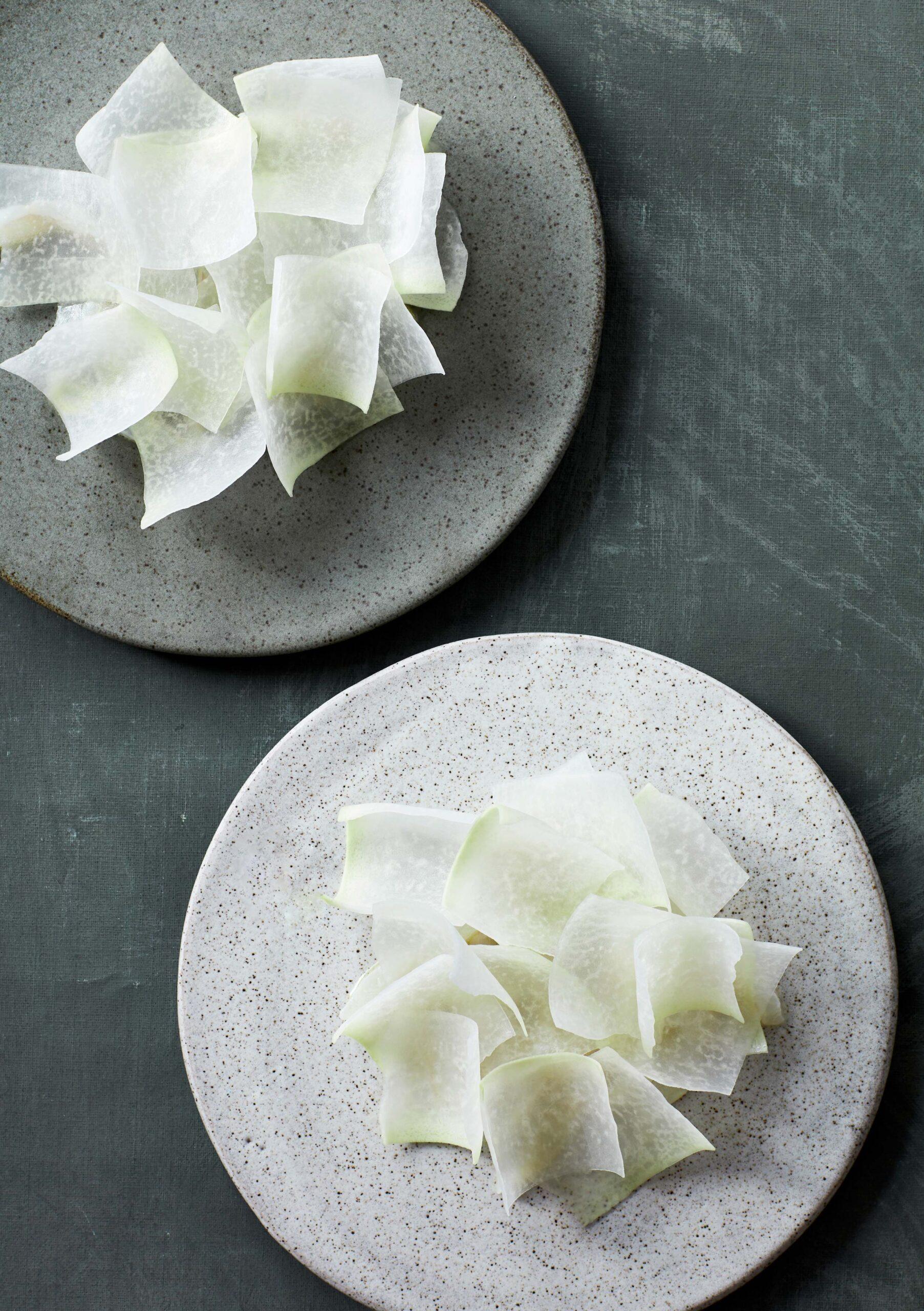 Ceviche-af-pighvar-og-flager-af-glaskaal_@StineChristiansen